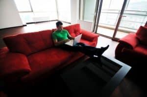 stel je vraag aan de meubelreiniger